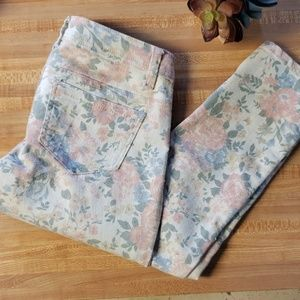 Delia's faded floral skinnies size 0